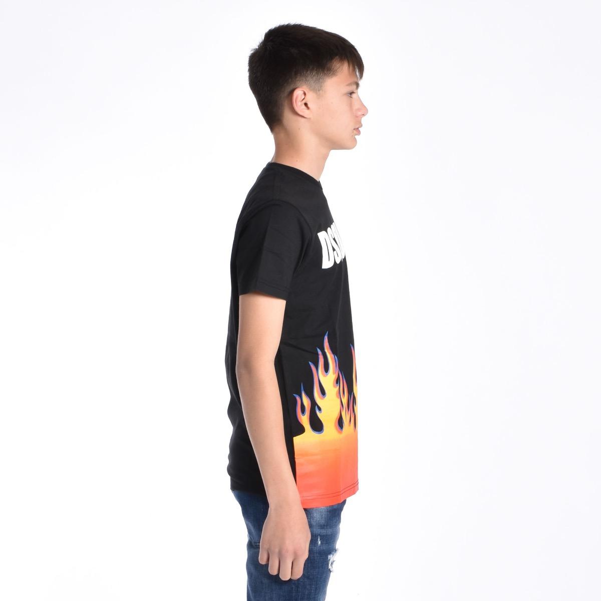 T-shirt con fiamme - Nera