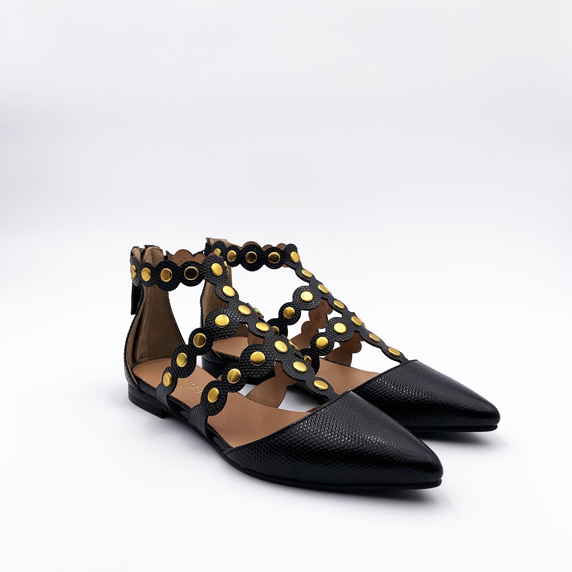 Scarpa bassa con borchie - Nero