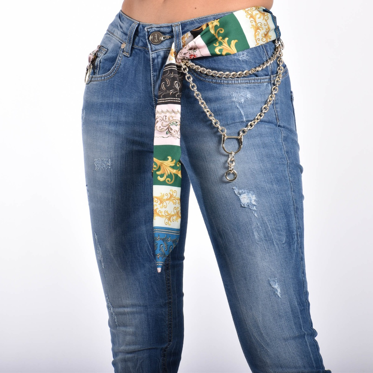 Jeans con foulard- Denim medio