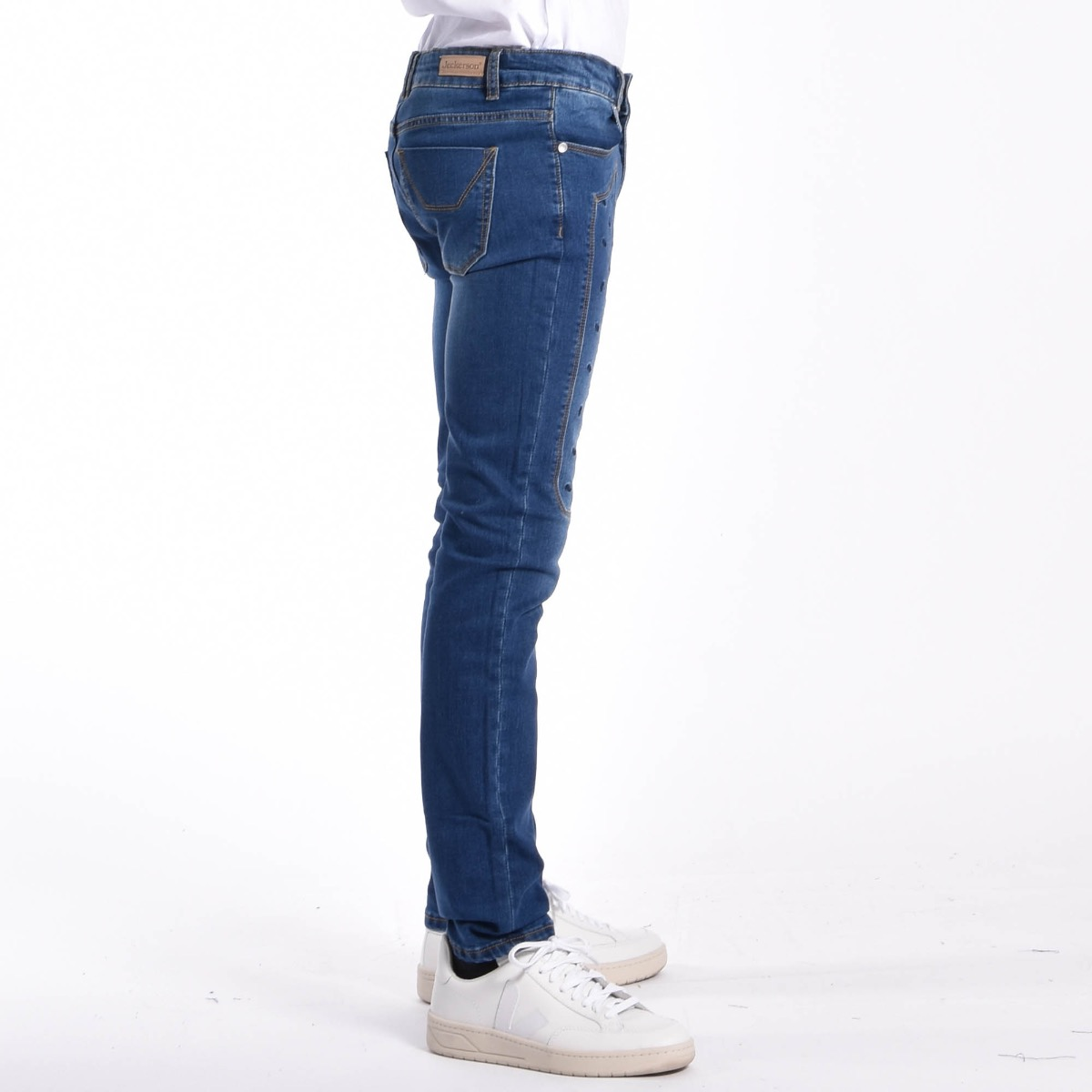Jeans con toppe bucate - Denim