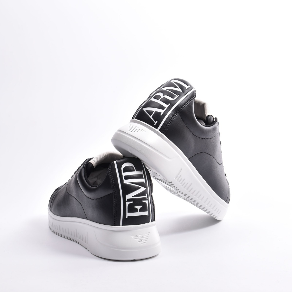 Sneakers logo dietro- Nero