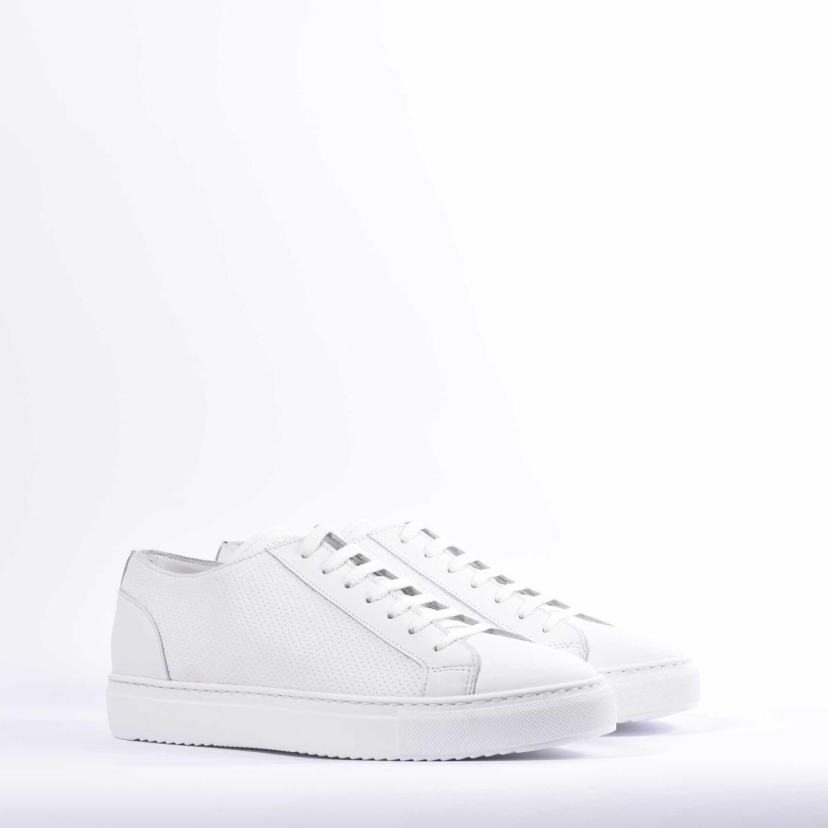 Sneaker punzonata - Bianco