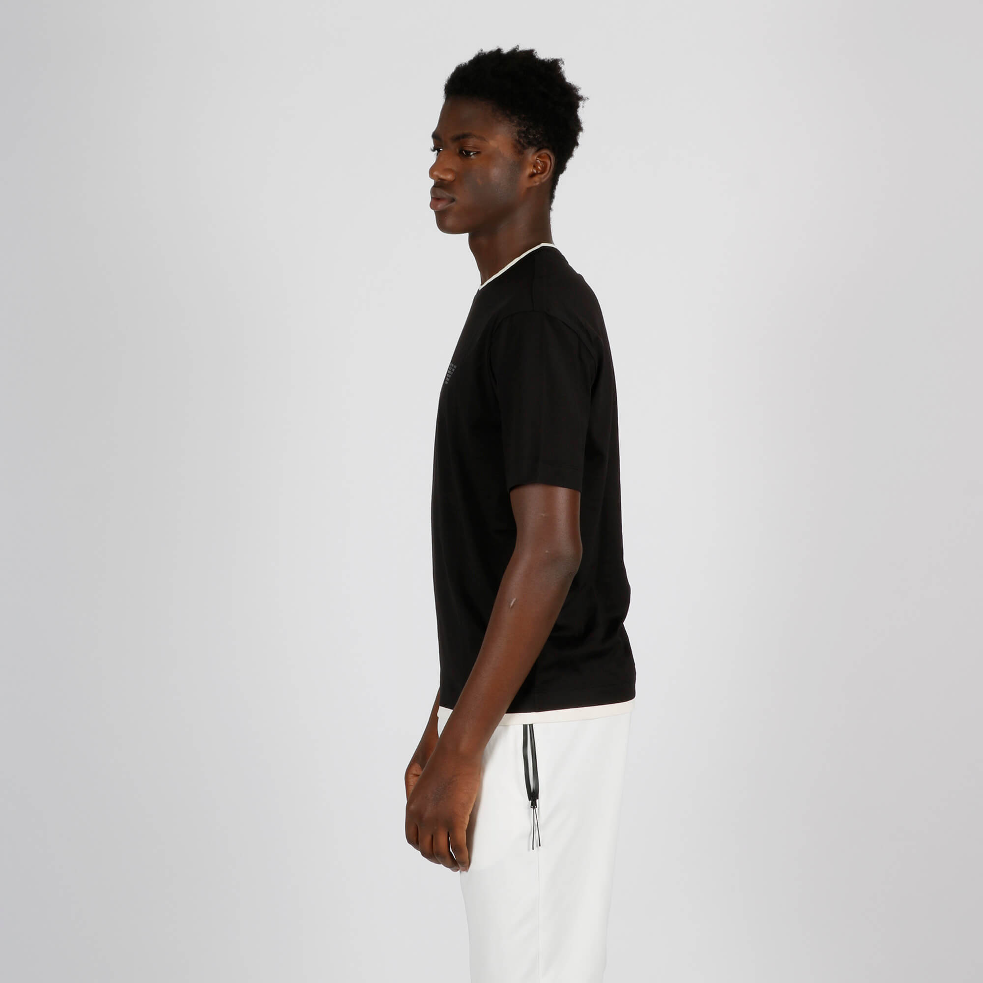 T-shirt bordino collo - Nero