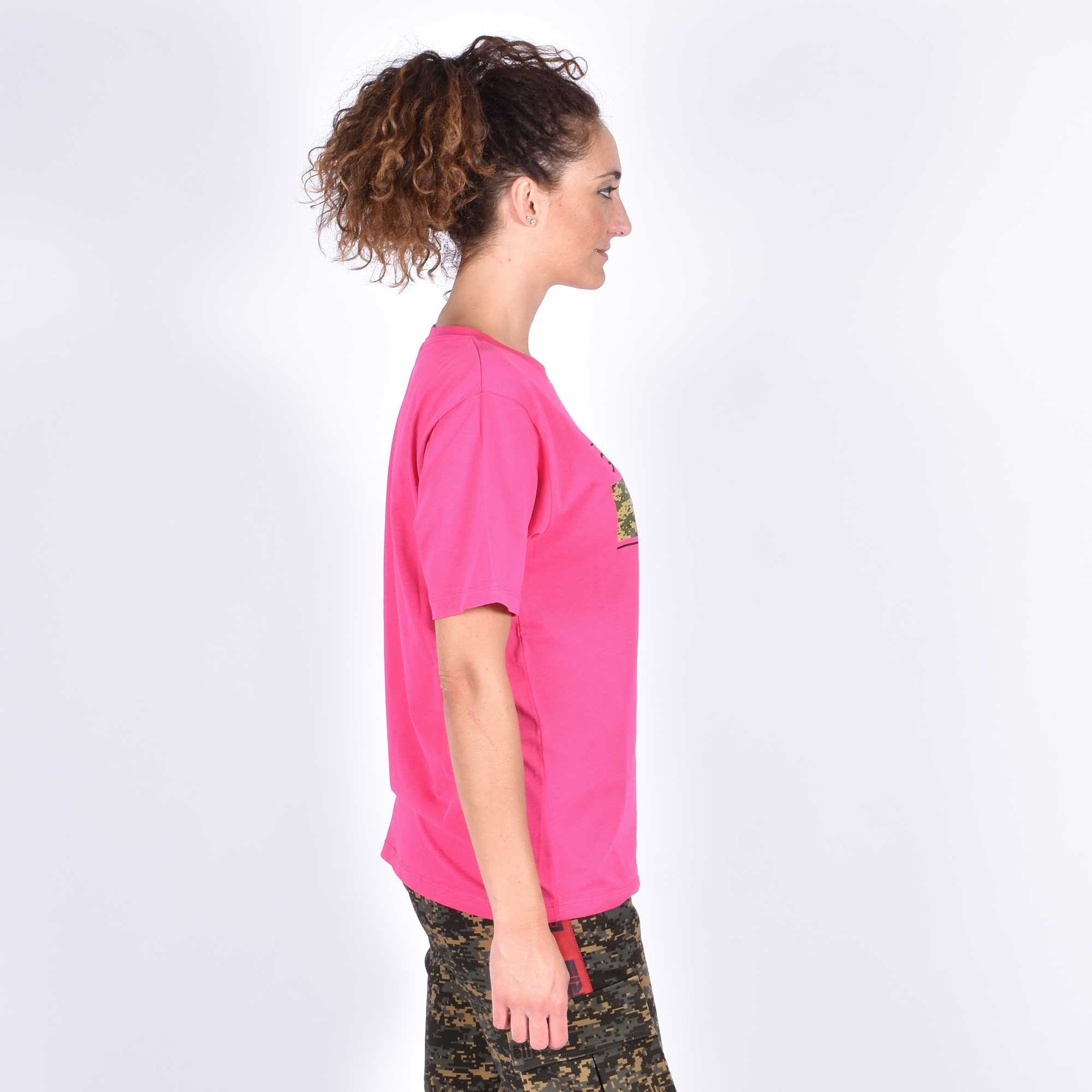 T-shirt scritta camouflage - Fuxia